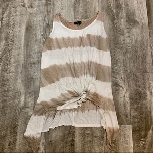 Sleeveless Knot front top M